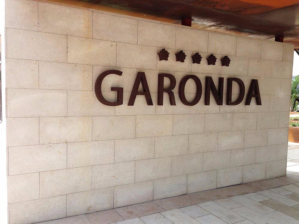 Entrada Hotel Garonda - Levante AC - Molmar Stone